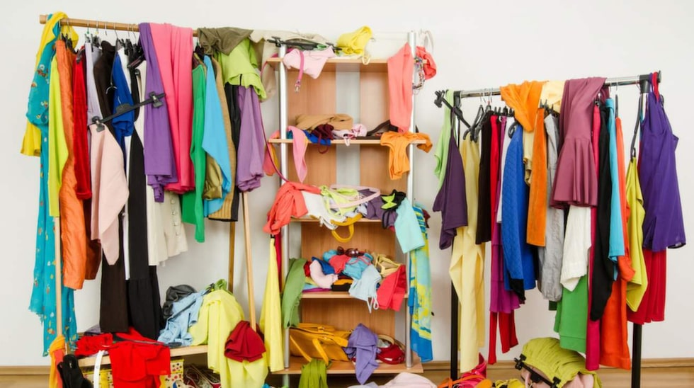 Är det trångt i din garderoben? Då kanske du inte har vikt kläderna på bästa sätt.