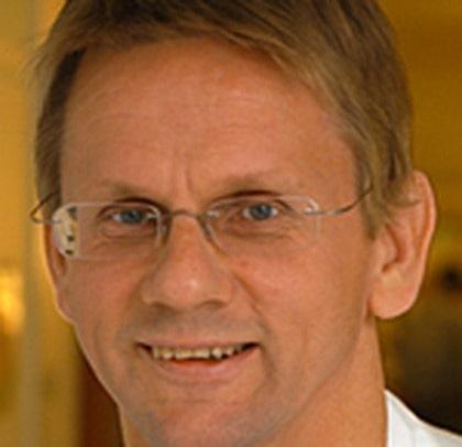 Lennart Emtestam, professor vid  Karoliska sjukhusets hudklinik i Stockholm.