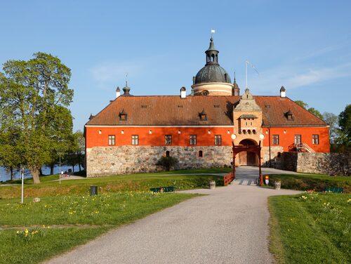 Personal har vittnat om konstiga saker som hänt på Gripsholms slott i Mariefred.