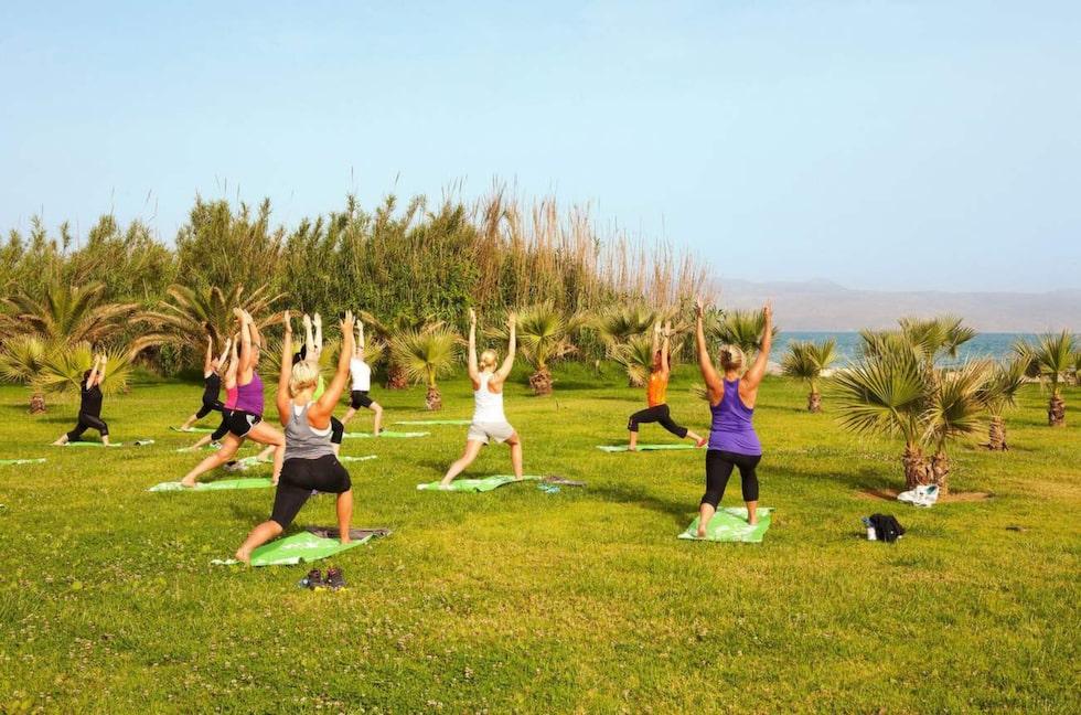 Hälso- och träningsresor har varit en stark trend i flera år och utbudet är stort. Man kan ägna sig åt allt från yoga till maratonlopp.