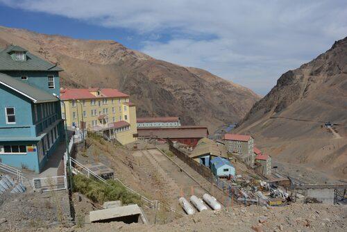 Högt uppe i chilenska Anderna finns lämningarna av Sewell.