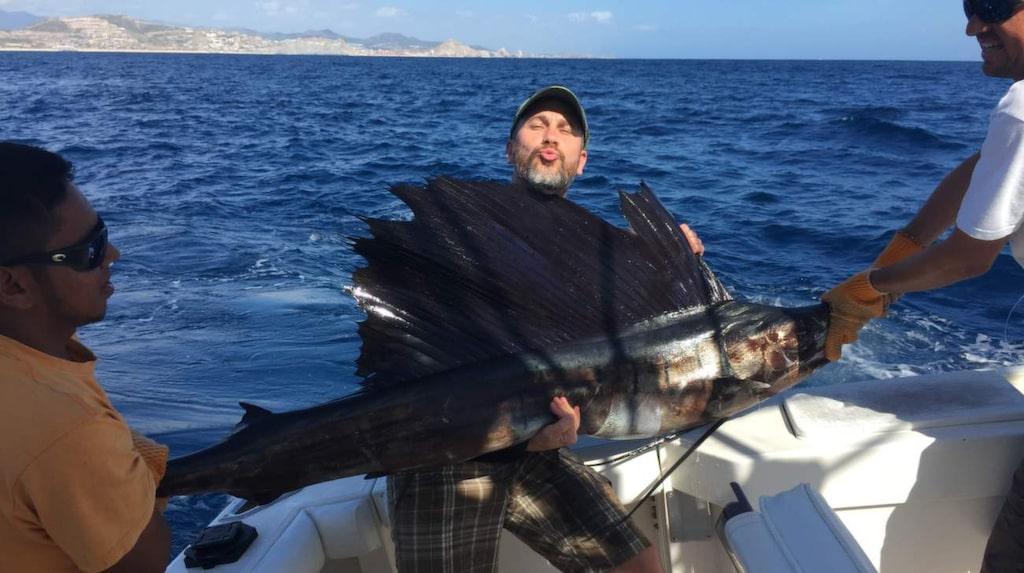 Markoolio vill starta ett tv-program om fiske.