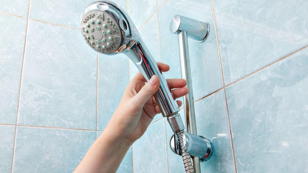 Duschar du ofta? Se upp så att du inte råkar duscha bort naturliga oljor som håller din hud levande