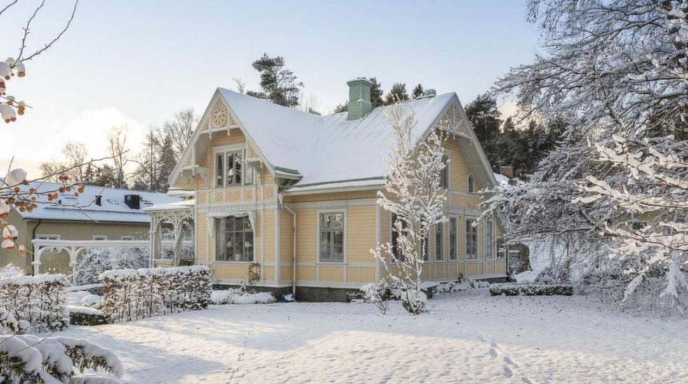 Den här villan på Lidingö är till salu för 25 miljoner kronor.