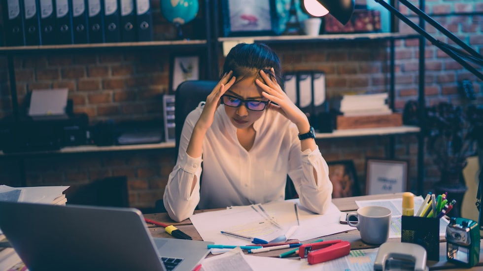Under stress använder kroppen upp mer av näringsämnena än när du är avslappnad, enligt dietisten Charlotte Watts.