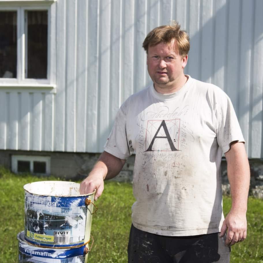 Väggarna på Torstein Nylunds hus har inte torkat ännu.