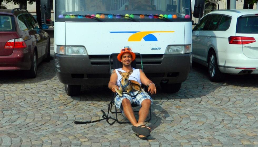 """""""Allt jag äger idag är den här husbilen"""", säger Gurgîn."""