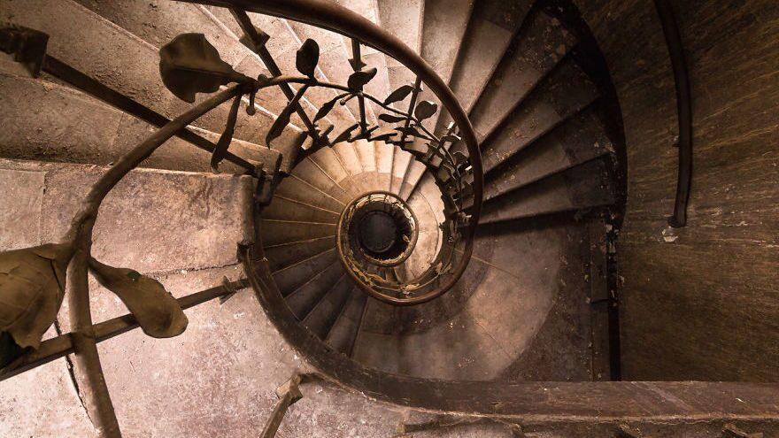 Trappor är ett av Roman Robroeks favoritmotiv och vi förstår honom. Den här virvlande trappan finns i Tyskland.