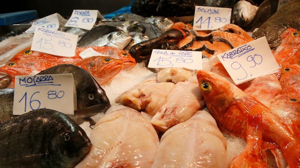 Fiskförsäljning på El Mercado de la Ribera.