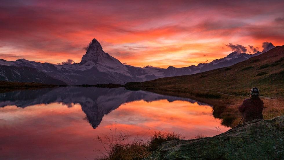 Albinen ligger i kantonen Valais, där även den kända bergstoppen Zermatt finns.