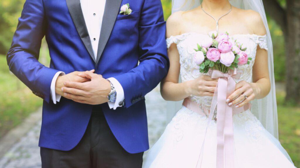 """Går du i giftastankar? Om du vill att äktenskapet ska hålla har en amerikansk forskare räknat ut den """"perfekta åldern"""" för att ingå äktenskap."""