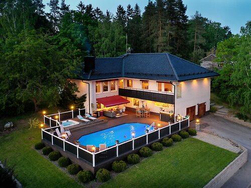 Villa med pool i Eskilstuna.