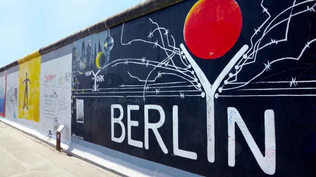 Lördagen den 9 november är det 30 år sedan Berlinmuren föll.