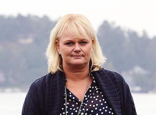 Anette Norberg lämnade jobbet på Folksam - och flyttade från Nacka till Ekerö, där hon har utsikt över sjön och grannens hästar.