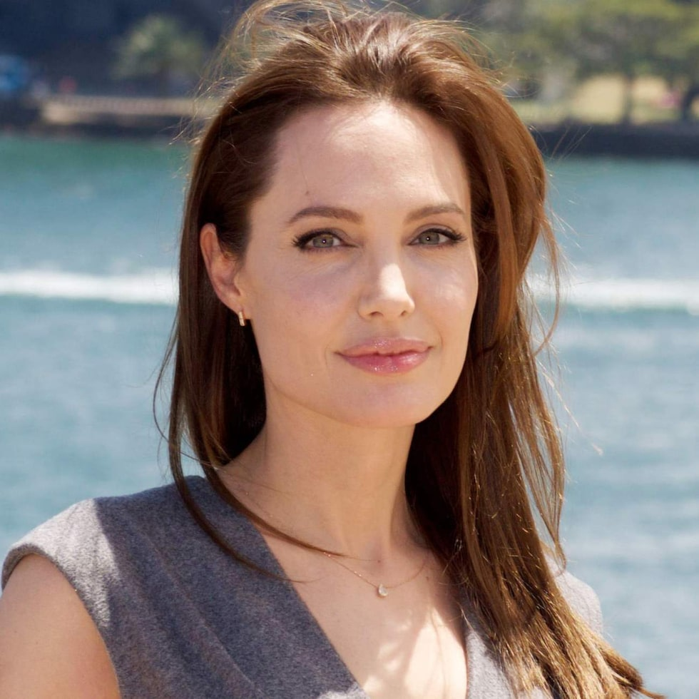 Fyrkantig ansiktsform - Angelina Jolie.