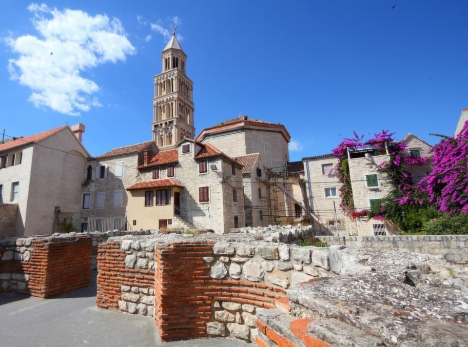 Den romerske kejsaren Diocletianus palats från 300-talet efter Kristus  är i dag en del av staden Split.