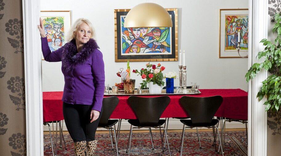 Gott om plats. I den rymliga matsalen kan Eva ställa till med stora festliga middagar. Nyligen hade hon en julfest där 80 personer var inbjudna - alla kom.