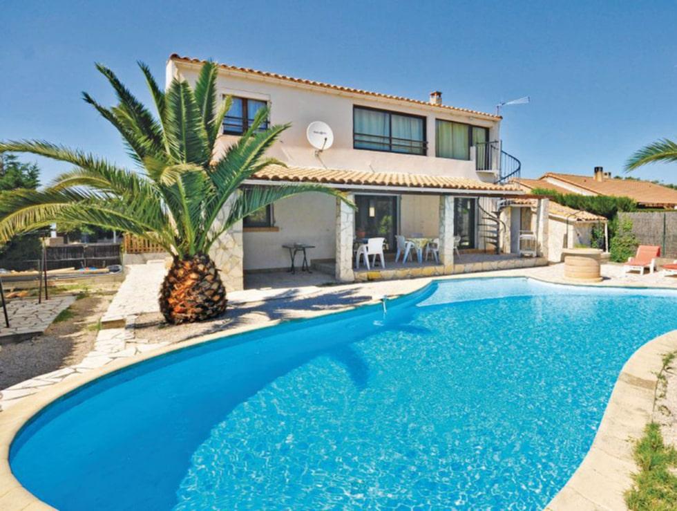 3. Miramas, Frankrike  I vackra Provence finns detta hus med plats för 9 personer.