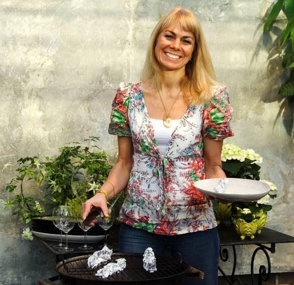 Ewa Söderström Skiöldebrand bjuder in till fest.