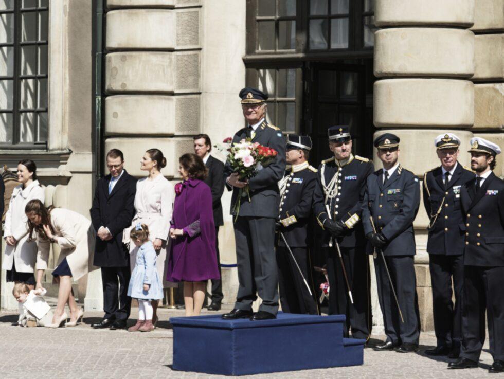 Den 30 april är flaggdag och kungens födelsedag. Valborg har namnsdag den 1 maj.