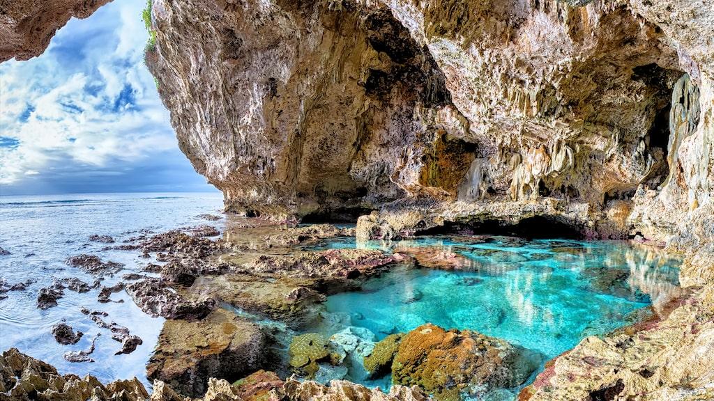 Det gör även Niue med sin coola natur i bland annat Avaiki.