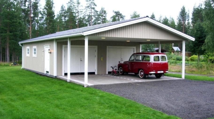 En storsäljareStorsäljare bland garagen från Lövångers Bygg i måtten 7,2 x 9,6 meter, höjd 2,5 meter med carport 4,8 meter. Slagportar, dörrar och fönster är tillval. Pris cirka 84 000 kronor.Info: lovangersbygg.se