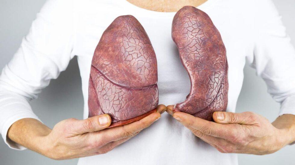 Under de senaste 20 åren har lungcancer bland män minskat med cirka 0,5 procent per år medan den har gått upp med cirka 3 procent per år bland kvinnor.