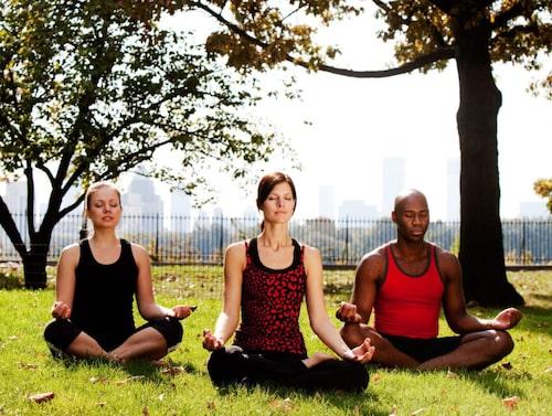 Meditera i grupp.