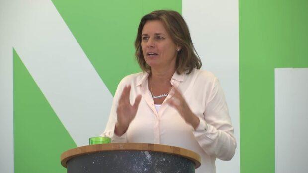 Se hela Isabella Lövins (MP) tal här