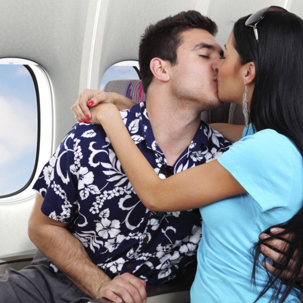 Flyget är de en av de hetaste platserna i världen för både flörtar, hångel och sexuella aktiviteter.