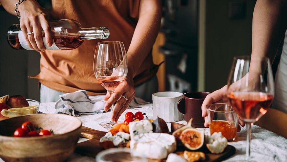 Ett par alkoholfria tips är fint att ha i rockärmen när du fixar sommarfest.