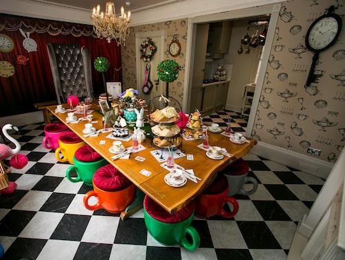 """Wonderland House – den perfekta platsen för ett teparty i bästa """"Alice i Underlandet""""-stil."""
