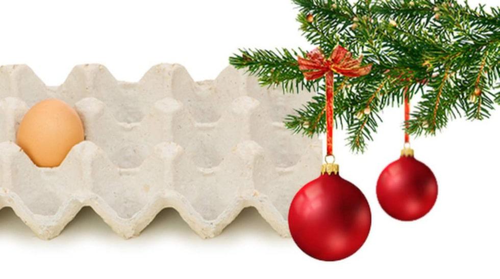 Använd äggkartongen till förvaring av julkulor. Bräckliga kulor fungerar nämligen alldeles utmärkt att förvara i äggkartonger.