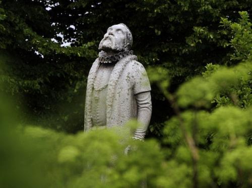 Tycho Brahe i trädgården.