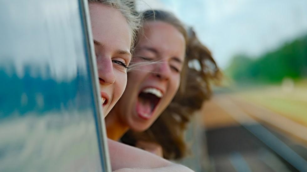 18-åringarna får resa under en månad under perioden 15 april till 31 oktober.