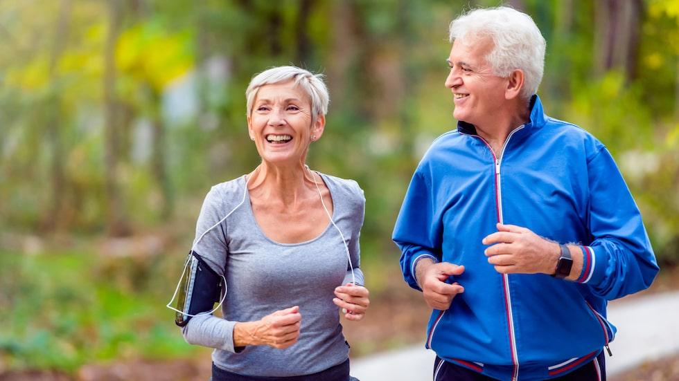 Fysisk aktivitet ökar vår livslängd – det pekar en stor del av forskningen mot.