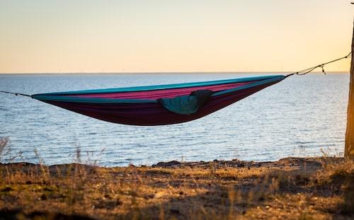 För den som vill se solen gå ner över Kalmar sund finns ingen bättre plats än Sandbergen.
