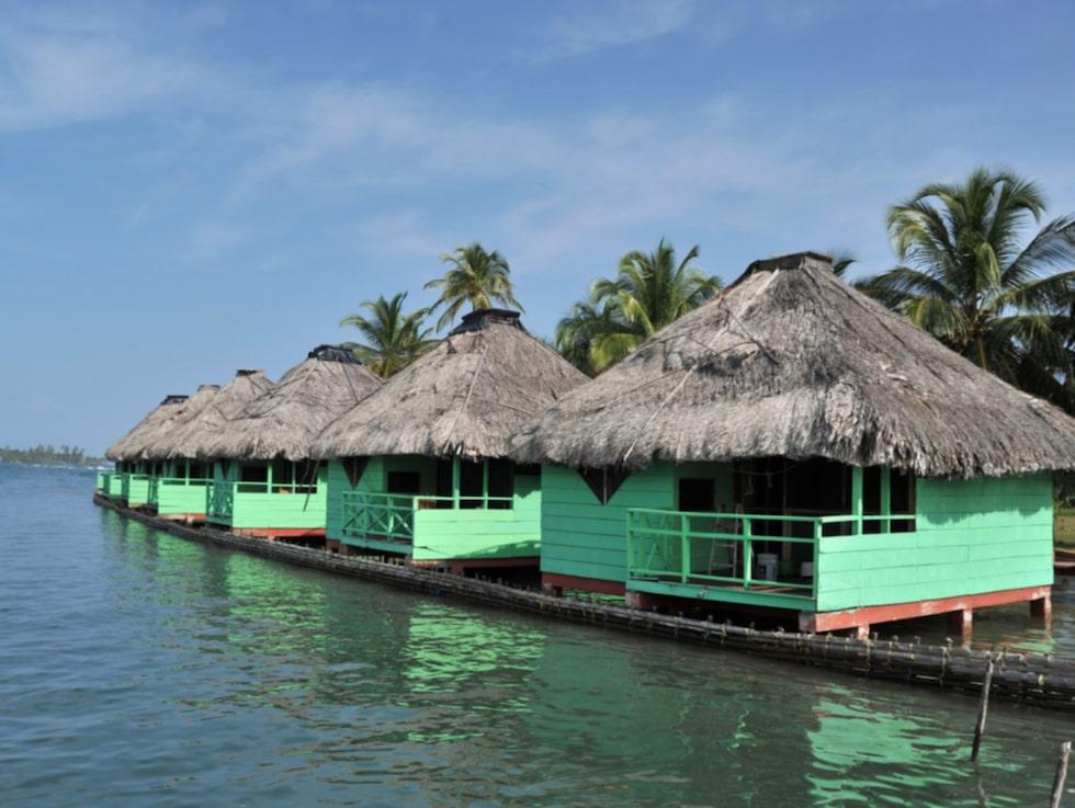 Akwadup Lodge har bekväma bunglows att bo i på ön Akwadup, Kuna Yala.