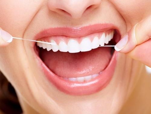 Ju längre bakterierna får jobba ostörda i munnen, desto mer växer de till.