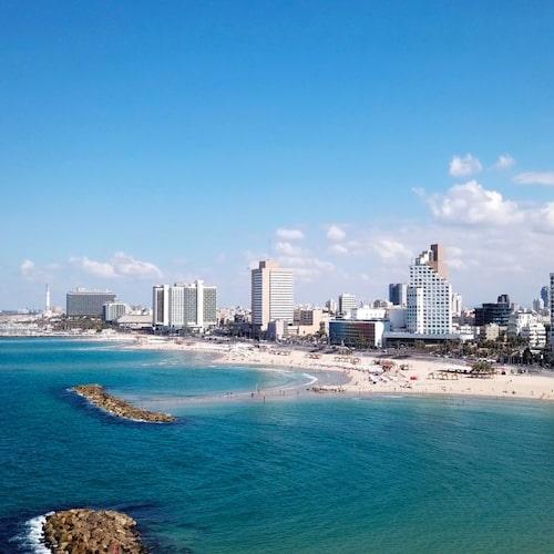 Skyskrapor och sandstrand – det får du i heta Tel Aviv.