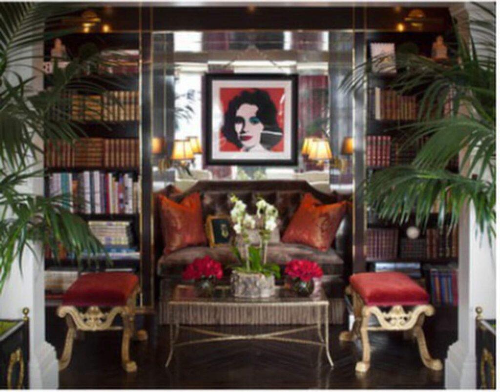 Sällskapsrum med tavla av Andy Warhol.
