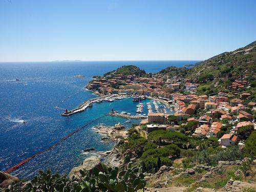 På natursköna ön Isola del Giglio i Italien bor endast 1 500 invånare.