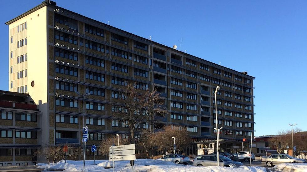 Region Västernorrland hävdar att det inte finns någon misstanke om att något fel begåtts i vården av Kjell.