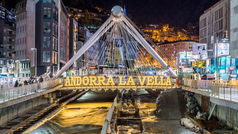 Andorra är en skattefri zon dit många åker för att shoppa. Största utbudet finns i huvudstaden Andorra la Vella.