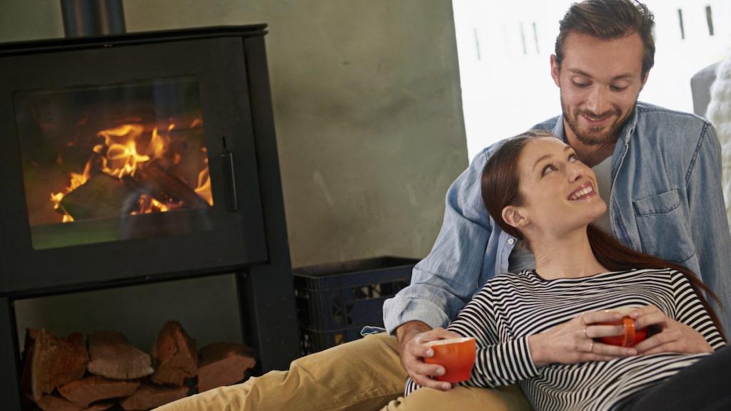Att elda med ved är det äldsta sättet att värma hemmet. Det är också det vanligaste uppvärmningskomplementet för villor i Sverige.