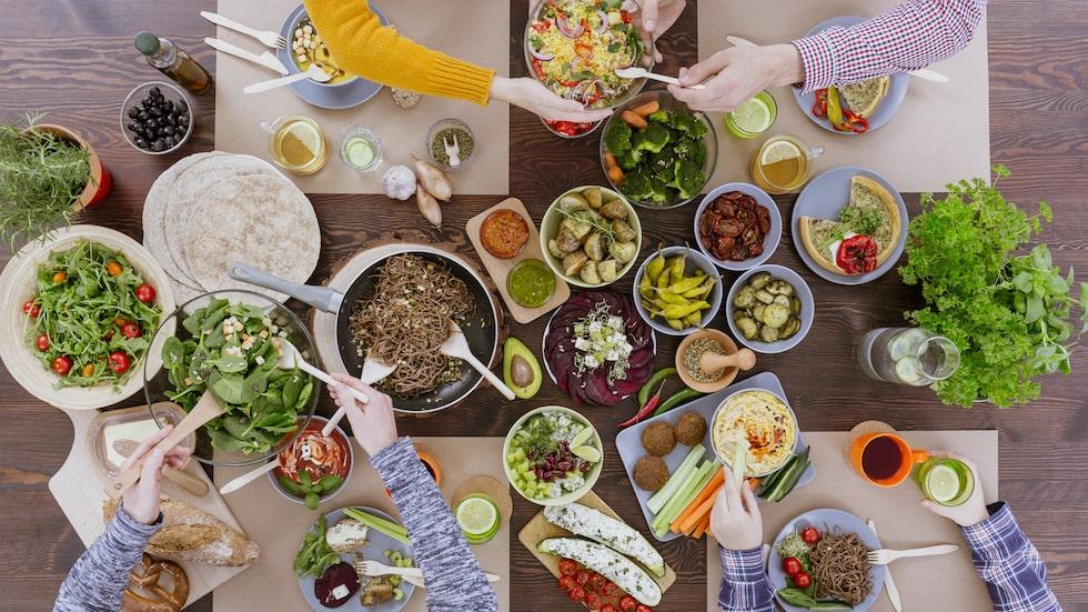 Kan man verkligen äta sig till ett starkare immunförsvar?