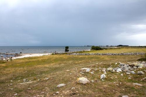 Sandby borg är skräckborgen som blivit internationellt känd för de makabra fynd som gjorts här. Det sägs att tidigare generationer varit noga med att hålla sig borta från denna hemsökta plats.