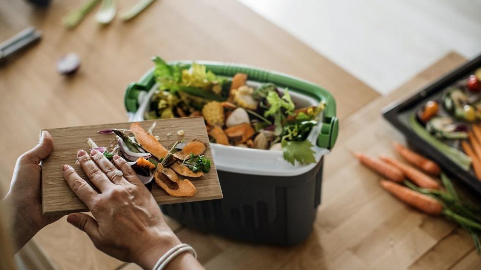 Att kompostera med bokashi har nästan blivit en folkrörelse. Du kan lägga nästan alla matrester i bokachihinken men undvik sådant som är rinnigt, som exempelvis yoghurt och mjölk. I övrigt finns inga begränsningar.
