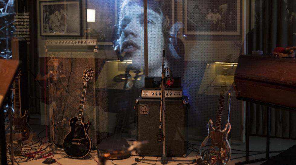 Förutom lägenheten kan man dessutom se en gammal inspelningsstudio som bandet har spelat in i.