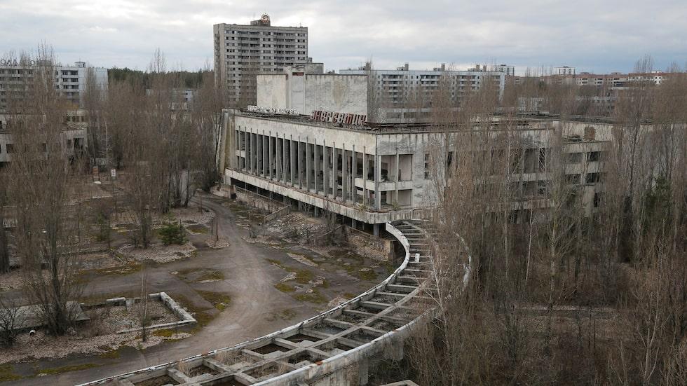 Övergivna hus i Pripyat i närheten av staden Tjernobyl. Pripyat hade 50 000 invånare innan katastrofen. Bild från 2016.